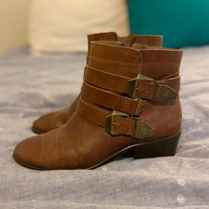 Aerosoles leather ankle boots